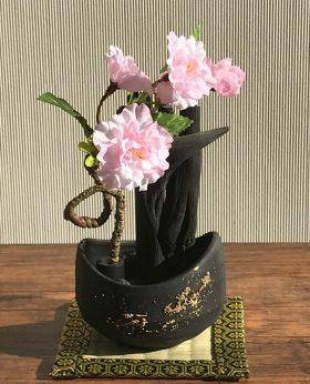 お花を入替え、迎春後も使用可能です
