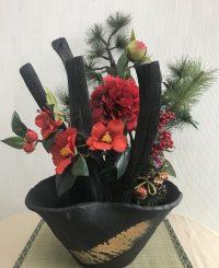 横幅・奥行のあるオブジェでお花を飾ると更に存在感あり!